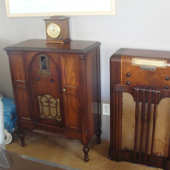 Kevin's 1929 Zenith radio on the left and the radio on the right is from the 40s! - Radios