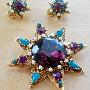 Florenza Brooch & Earrings - Costume Jewelry