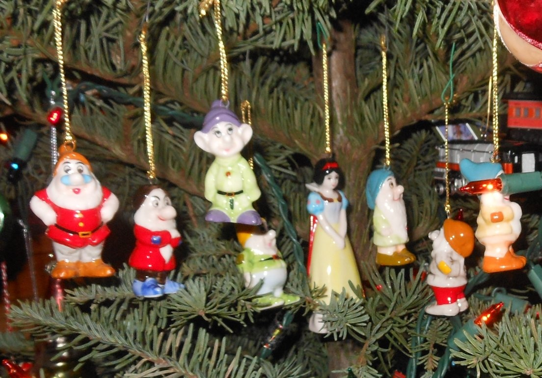 Snow White and the Seven Dwarves Christmas Ornaments Bone China
