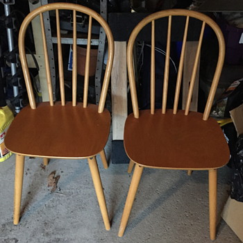 Two Billund Stolen chairs. - Mid-Century Modern