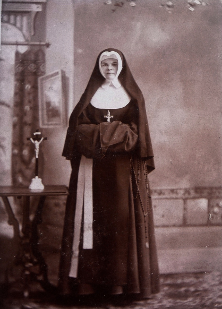 from my collection of antique nun photographs | collectors weekly