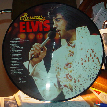Pictures of Elvis   Made in England in plastic case - Records
