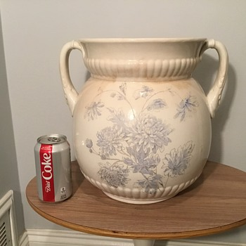 ???? Large Heavy Pot ????? - Pottery