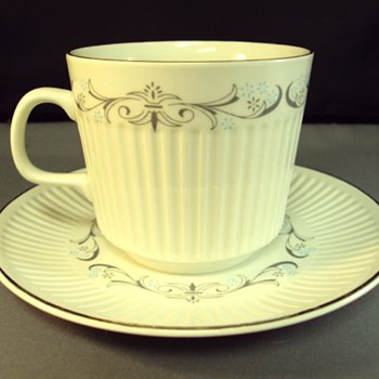 Johnson Bros England Teacup and saucer - China and Dinnerware