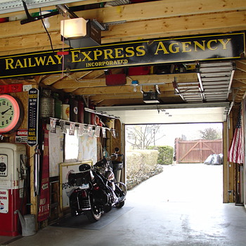 Original...Railway Express Agency Inc...Porcelain Sign...Two Colors - Railroadiana