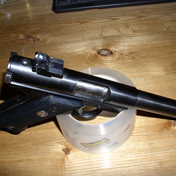 Target Mark II RUGER - Military and Wartime