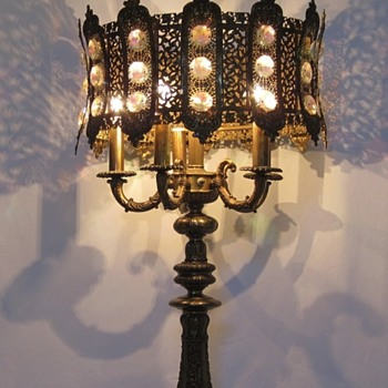 CRYSTAL JEWELS AND FILIGREE - Lamps