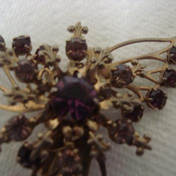 Filigree angel - Costume Jewelry