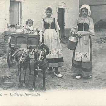 BRUXELLES - LAITIÈRES FLAMANDES  - Postcards