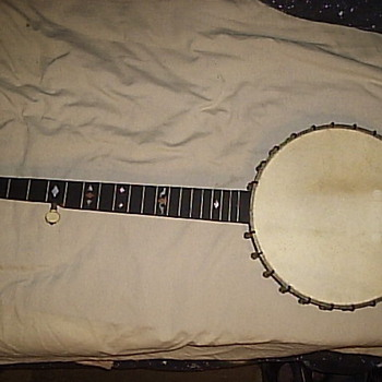 Old 5-string, don't know what kind????????? need help.