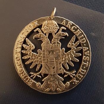 Burg go.tyr.1780.x archid.avst.dux - Costume Jewelry