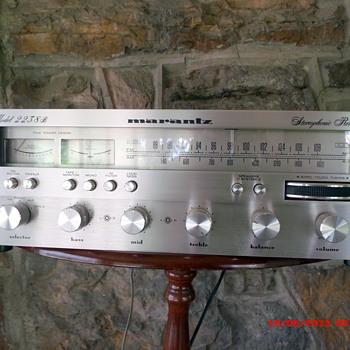 Marantz 2238B Stereo Receiver  - Electronics