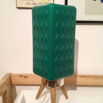 Tri-pod Plastic Table Lamp - Lamps