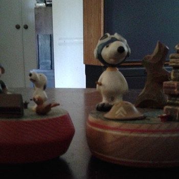 A pair of Vintage Snoopy Reuge Swiss Movement Musical Figurines 1968 & 1972 Peanuts - Advertising