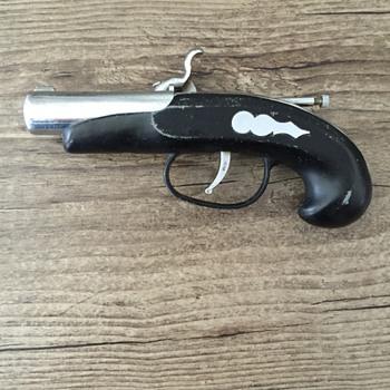Black and silver Gun cigarette lighter. - Tobacciana