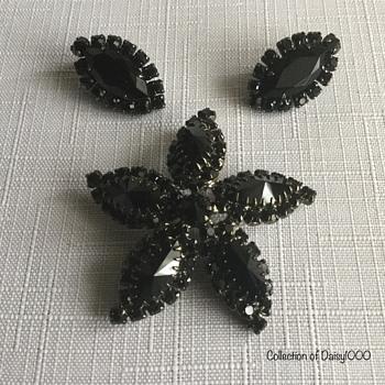 Sherman Starfish Brooches - Costume Jewelry