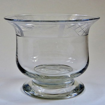 Pairpoint(?) Bowl,.....not sure what it is, but a beautiful piece of glass, Old?