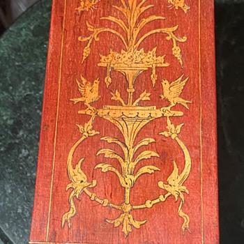 Veneer Inlay on an Antique Box - Furniture