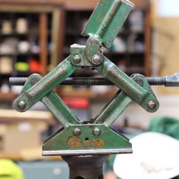 SO-LO JACKS - Tools and Hardware