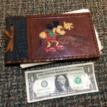 Help Identify This Mickey Mouse and Pluto Journal?