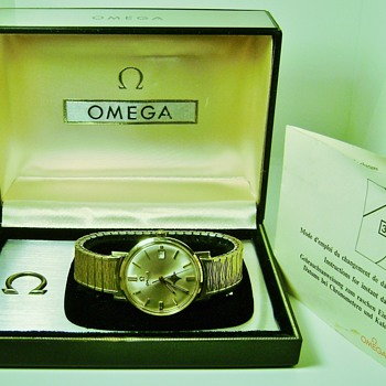 Vintage Omega Wrist Watch with box & instructions - Wristwatches