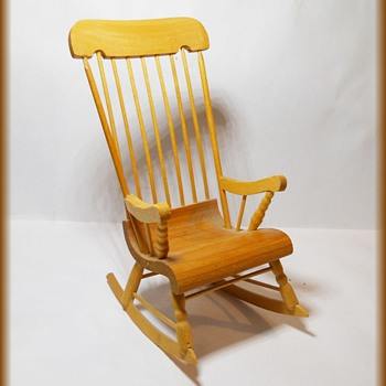 FOLK ART CARVING - Miniature Mini Rocking Chair - Made in QUEBEC  - Folk Art