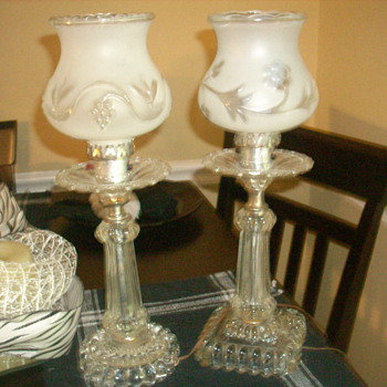 Trying to find value of these two lamps from the 20's to 40's