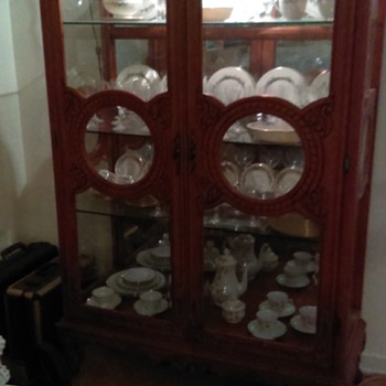 Beautiful Vintage China cabinet