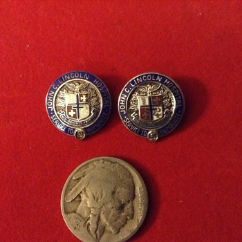 John C Lincoln Hospital pin - Medals Pins and Badges