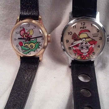 REGA RED RIDINGHOOD BIG BAD WOLF /LIL HANS - Wristwatches