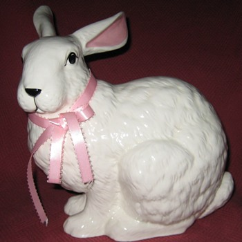 Large Sitting Rabbit By Sittre Ceramic Productions - Animals