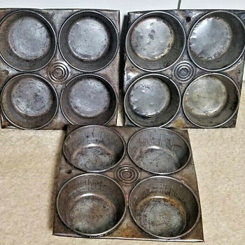 Circle Brand muffin pans - Kitchen