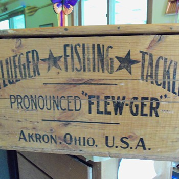 PFLUEGER shipping Crate
