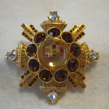 JAY STRONGWATER BROOCH  - Costume Jewelry