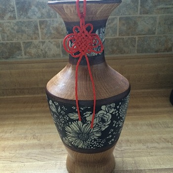 Vase w/attached string - Asian
