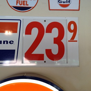 Gulf signs.....  Fill 'er up, sir at 23.9 a gallon. And could you get the windows too? - Petroliana