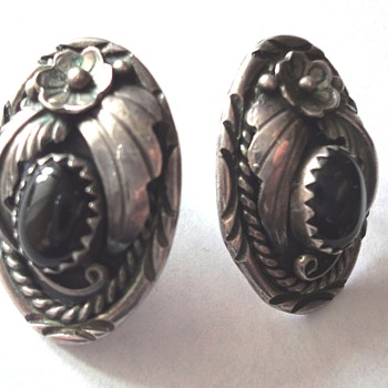 Here some of my collection of silver earrings - Art Deco