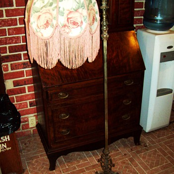Victorian Bridge Lamp with Rose tasseled Shade