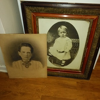 VINTAGE PHOTO AND DRAWING - Photographs