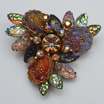 Mom's Stunning old Brooch Anyone Know Who Made it, age, etc. ?????? - Costume Jewelry