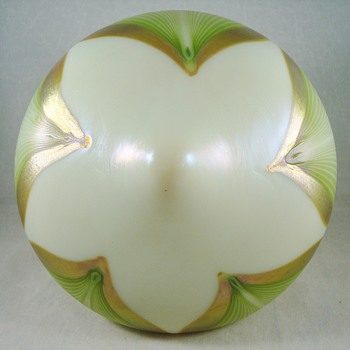Loetz shade PN II-4522 in PG 2409 ca. 1907 - Art Glass