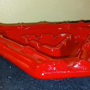bright red HAEGER POTTERY triangular ashtray - Pottery