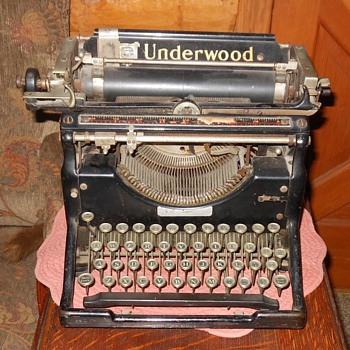 Underwood No. 5 Typewriter  - Office