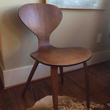 Cherner Side Chair? Plycraft? Molded plywood Mid-Century Chair