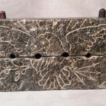 Early 19 century engraved soapstone bullet mould - Military and Wartime