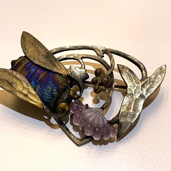 Art Nouveau Favrile Glass Pate De Verre Insect Bee Brooch Pin Depose - Art Nouveau