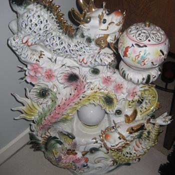 Beautiful Chinese dragon light figurine - Asian