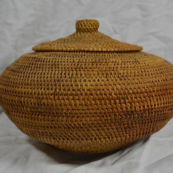 Large UFO Shaped Native Basket - Native American