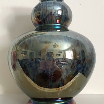 Kralik Iris décor turquoise, white and oxblood selfie - Art Glass