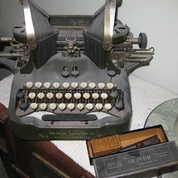 Oliver #9 typewriter - Office